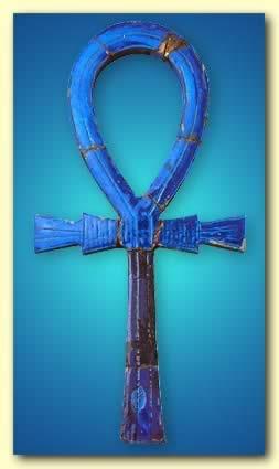 Ankh är en urgammal egyptisk symbol som står för Liv. Möjligen evigt Liv.