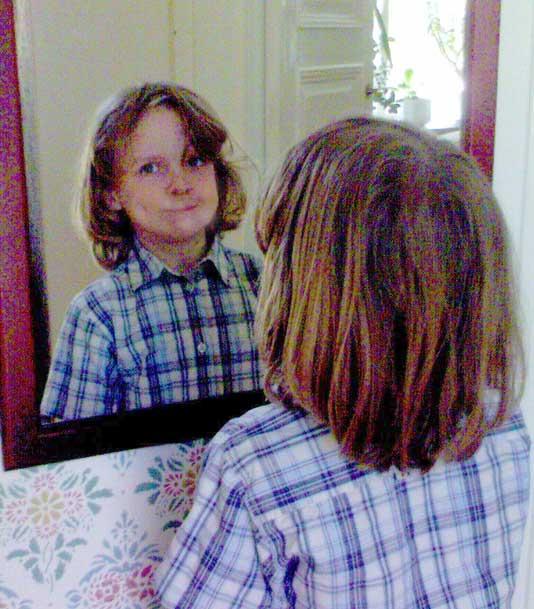 ..eller göra grimaser framför spegeln. :grin:
