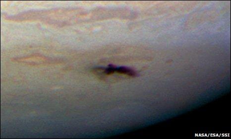 Och så här sargad blev Jupiter efter en kollision med en meteor förra månaden